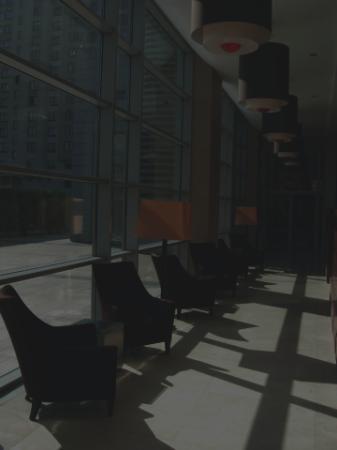 Hilton Warsaw Hotel & Convention Centre: Lobby area