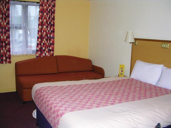 Premier Inn Gloucester (Longford) Hotel: Tewkesbury Rd Premier Inn