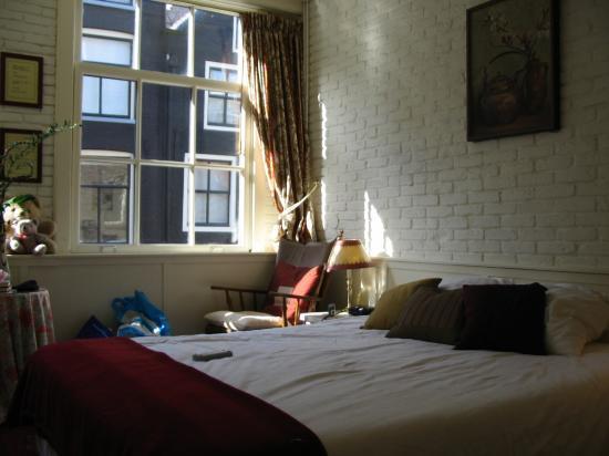Maes B & B: Room