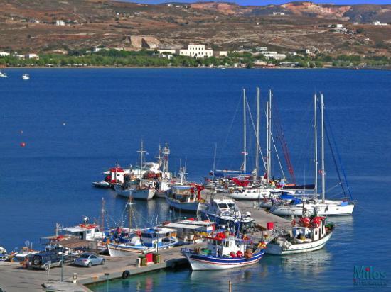Adamas - Sailboats and fishing boats
