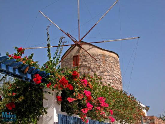 Milos, Greece: Neohori - Windmill