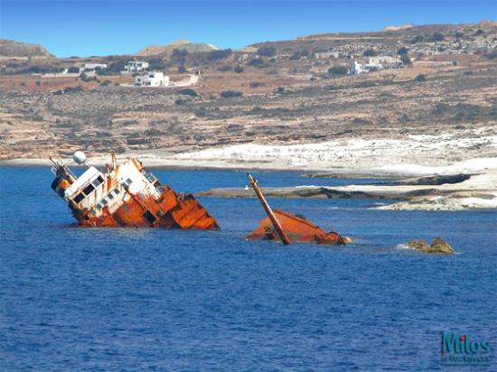 Milos by, Grækenland: Sarakiniko - Shipwreck