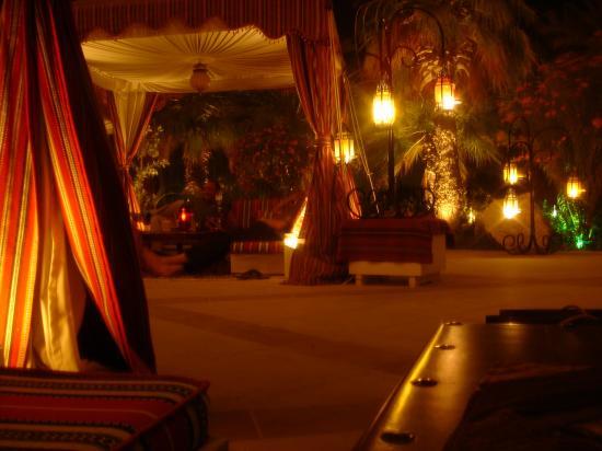 JA Jebel Ali Beach Hotel: Plantation Bar (Outside)