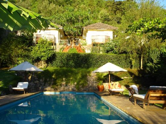 Onsea House Country Inn & Guest Cottage: Suites, Pool and Garden
