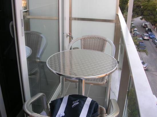 Tropical Hotel: Mini balcon