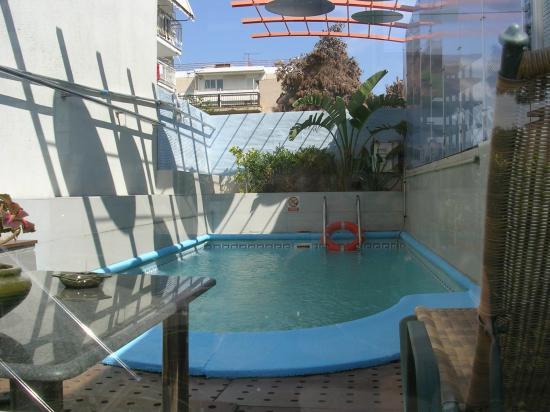 Tropical Hotel: Piscine de l'hôtel