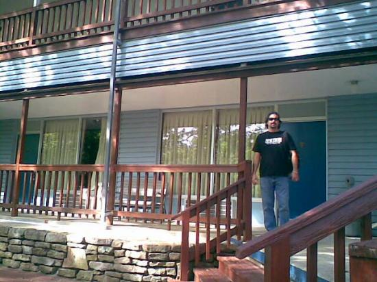 Ozarka Lodge: Hubby outside our room (room 500)