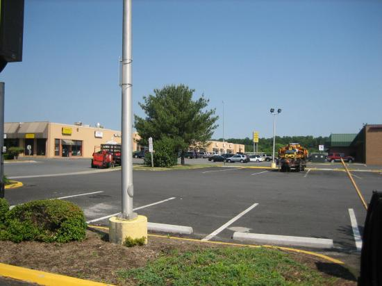 Days Inn Manassas/I-66: Parking lot 2