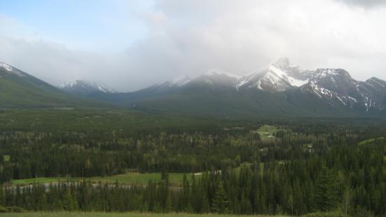 Delta Hotels by Marriott Kananaskis Lodge : view from walking trail