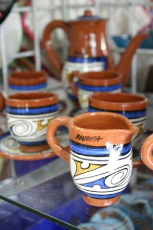 El Valle de Anton, Panama: Pottery for sale in the craft market