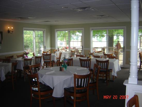 Clarion Inn Historic Strasburg Inn: the bistro