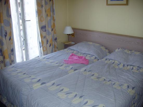 Habitacion con dos camas fotograf a de vintage hostel - Como distribuir una habitacion con dos camas ...