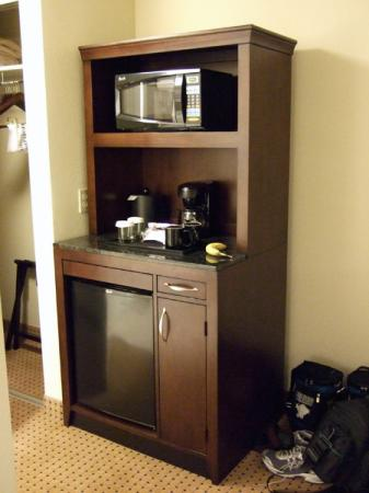 Beau Hilton Garden Inn Jacksonville Orange Park: Kitchen In An Armoire
