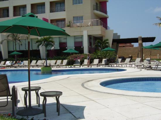 Boca del Rio, México: By the pool.