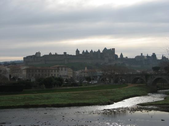 Ibis Carcassonne Centre : La Cité (Distance)