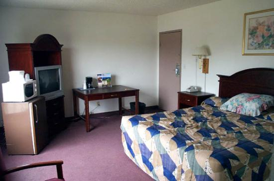 Anaheim Maingate Inn: 3rd floor room
