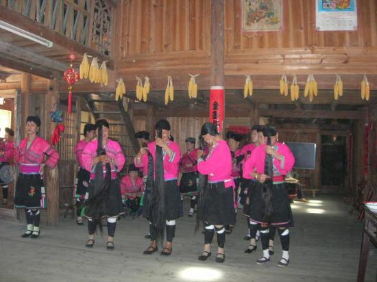 Tai Lian Hotel: mujeres yao