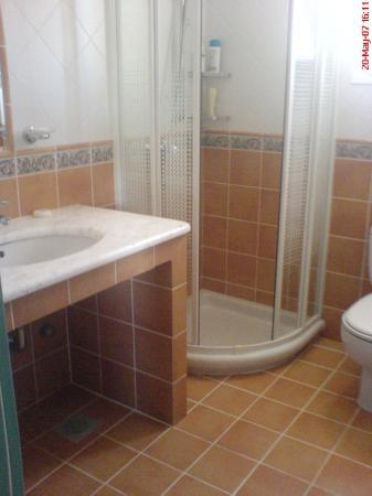 9 Muses Hotel Skala Beach: Bathroom