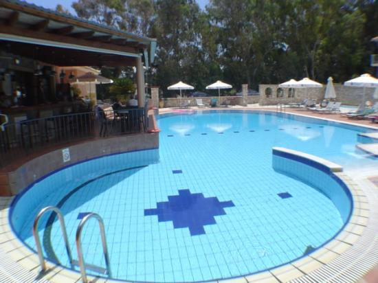9 Muses Hotel Skala Beach: Pool area