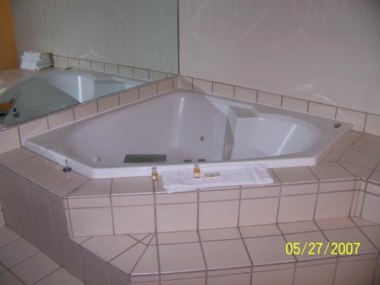 ClubHouse Inn West Yellowstone: CH 3 jacuzzi