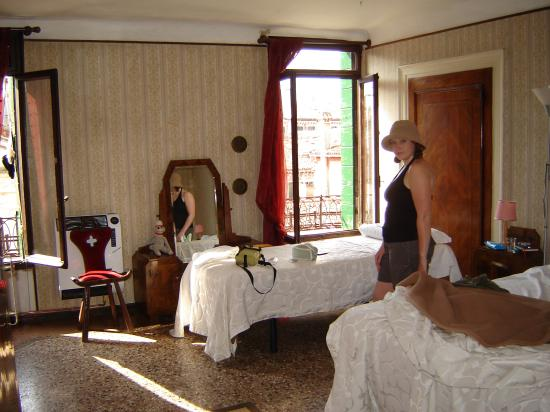 Hotel San Samuele : The Room