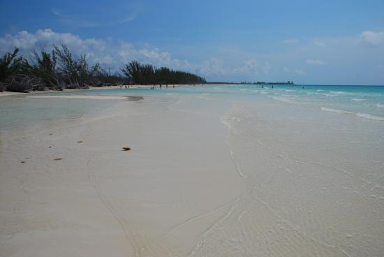 Lucayan National Park, Grand Bahama Island: Gold Rock Beach