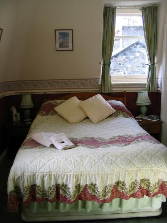 Goodwin House: Bed