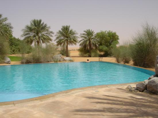 Al Maha, A Luxury Collection Desert Resort & Spa: Spa and the desert