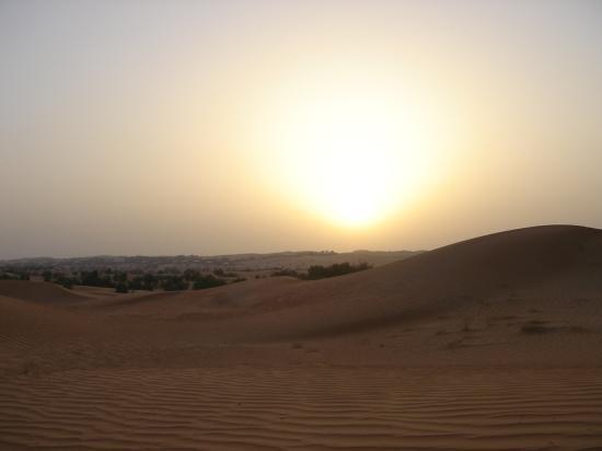 Al Maha, A Luxury Collection Desert Resort & Spa: Sunset