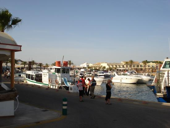 Zafiro Menorca: Cala n'Bosch Harbour