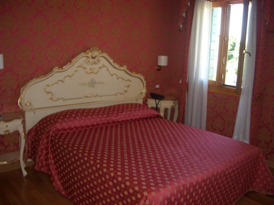 Villa Dolcetti : Room