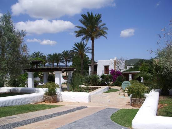 Agroturismo Atzaro: main entrance