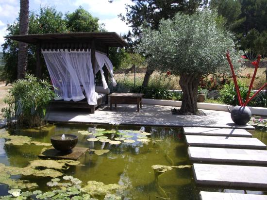 Agroturismo Atzaro: just one of many chill out areas