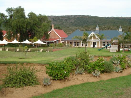 Bushman Sands Golf Lodge : Main building and restourant