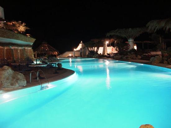 Hacienda Na Xamena: pool at night