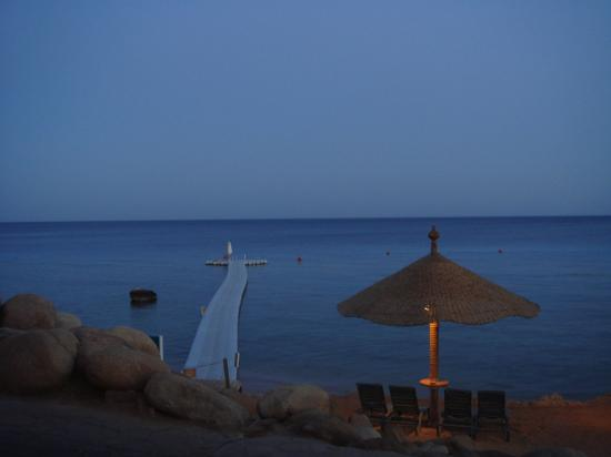 Hyatt Regency Sharm El Sheikh Resort: Pier at night