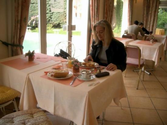 Hotel Le Floreal : Breakfast