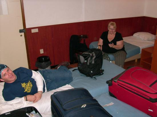 Hotel The Globe: Think barracks, NOT hotel