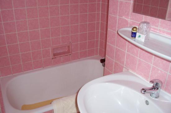 Alive Hotel de Quebec : no drain in tub
