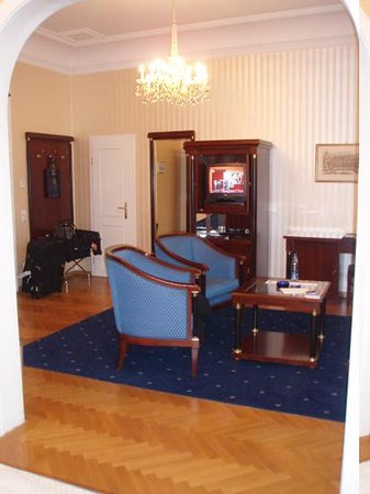 Hotel Ambassador: The sitting room
