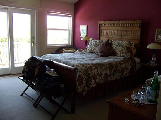 Point Reyes Station Inn: Bed
