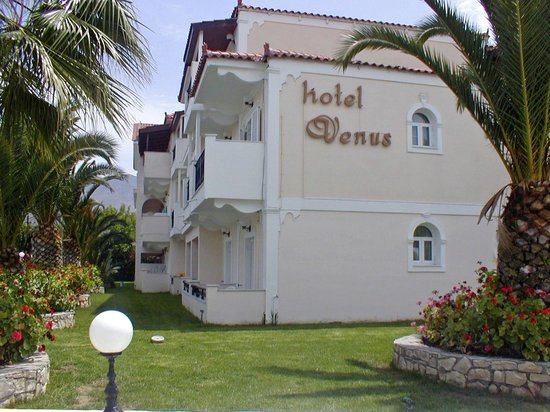 Venus Hotel & Suites: side ground floor with garden views