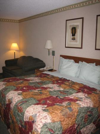 Days Hotel Egg Harbor Township-Pleasantville-Atlantic City: King size bed