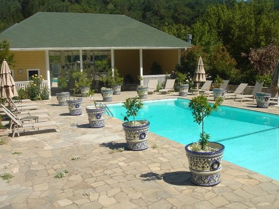 Meadowlark Country House: clothing optional pool