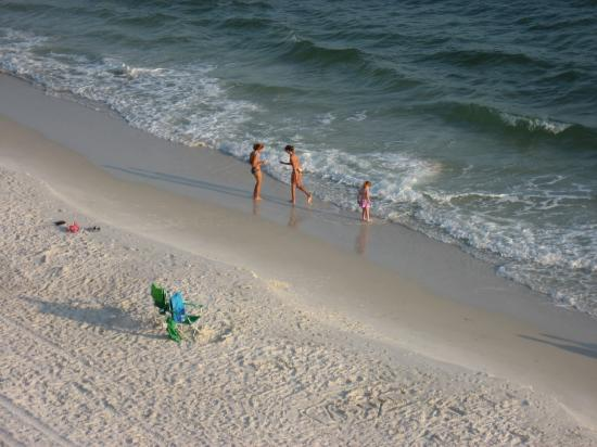 mexico beach women A new mexico lawyer is asking a state judge to toss out a university of new mexico decision to eliminate  men's and women's skiing and women's beach .