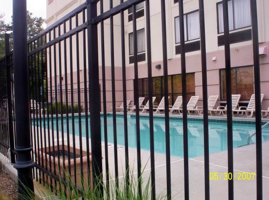 Wingate by Wyndham Atlanta/Six Flags Austell: Pool