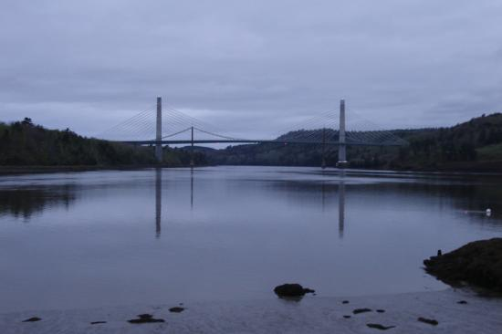 Fort Knox Inn: Penobscot Narrows Bridge