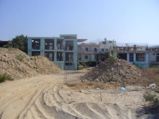 Rethymno Bay Hotel: Construction area (in front of sea view rooms)