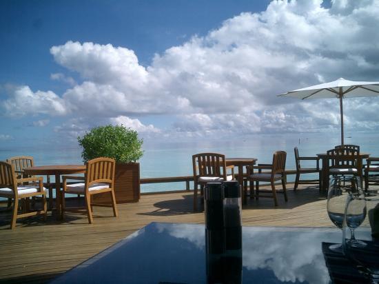 Baros Maldives: vue du restaurant lime vers 16h