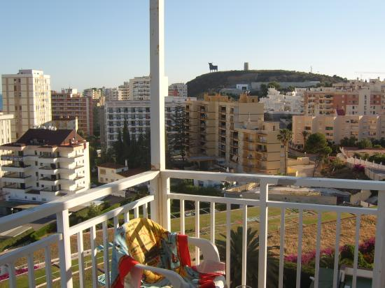 Hotel Monarque Torreblanca: view of the bull from the room